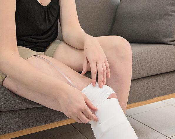 Ayuda para la incontinencia. Modelo pantorrilla